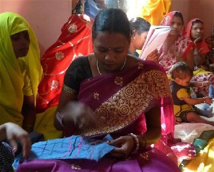 RangSutra trains 1000 Artisans in Varanasi