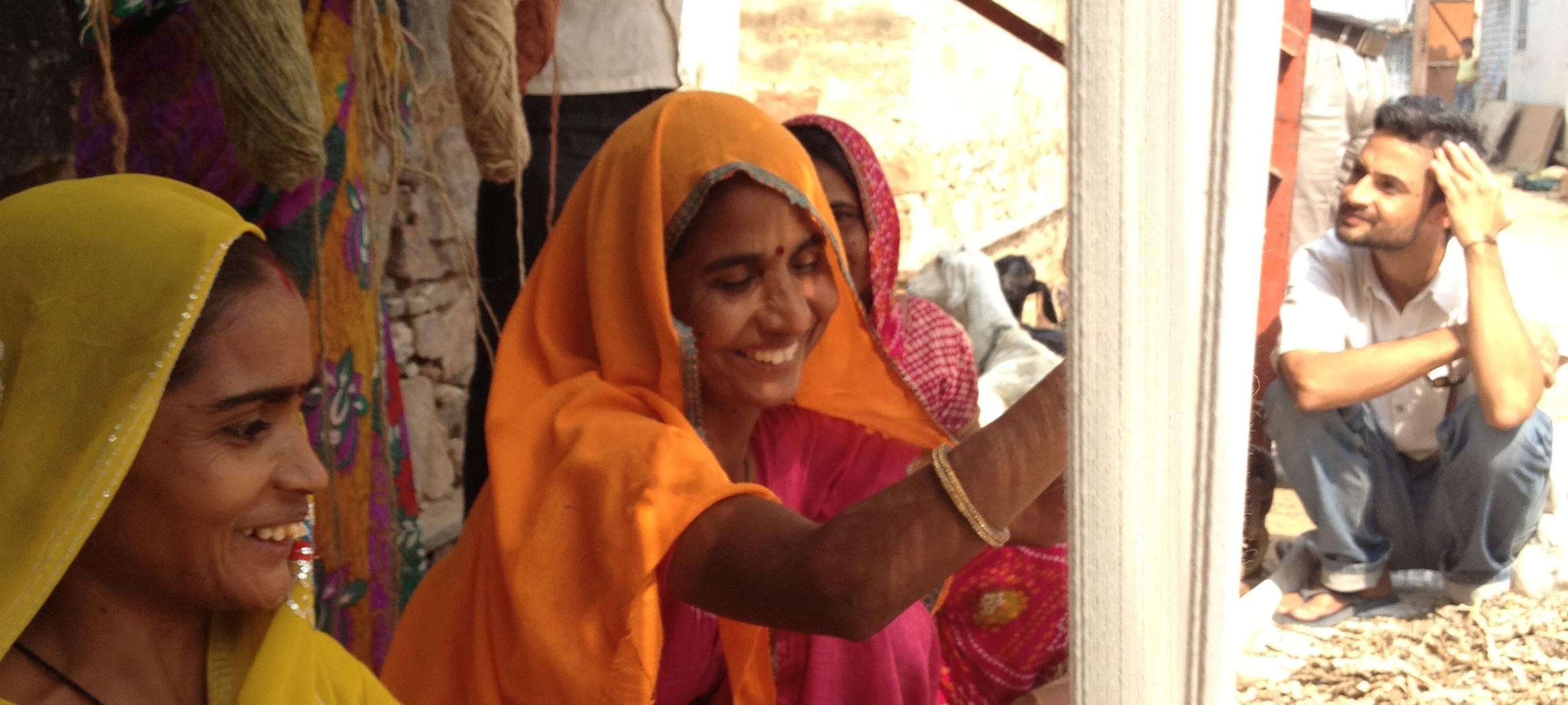 Jaipur Rugs motivates weavers