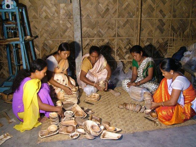 Marketing tambul plates from Assam