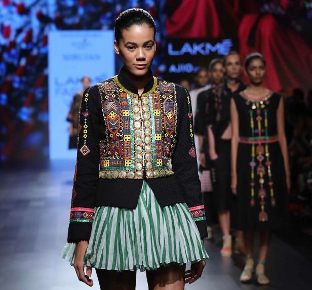 Spotlight on female artisans of Kutch at Lakme Fashion Week