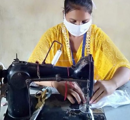 Artisans switch to mask making